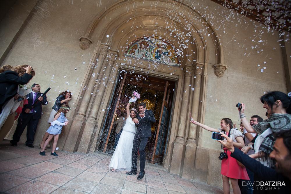 casament-anna-i-ramon-david-datzira-fotograf-sabadell-barcelona-fotografo-photographer-rustic-photocall-la-salut-castellarnau-valles-occidental-original-funny-divertit-43