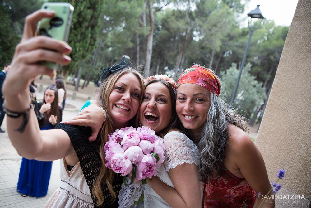 casament-anna-i-ramon-david-datzira-fotograf-sabadell-barcelona-fotografo-photographer-rustic-photocall-la-salut-castellarnau-valles-occidental-original-funny-divertit-46