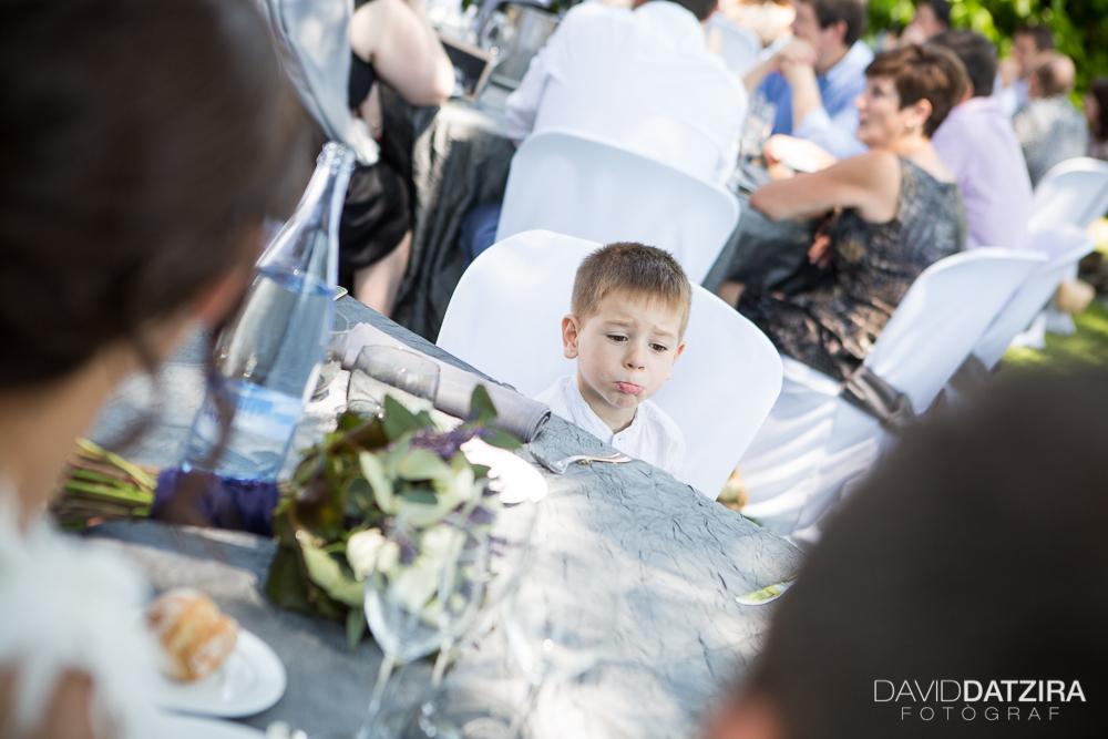 casament-rafa-i-sandra-david-datzira-fotograf-photographer-wedding-boda-barcelona-lleida-tarragona-girona-hospitalet-rural-masia-original-divertit-casual-fotoperiodisme-wedding-50
