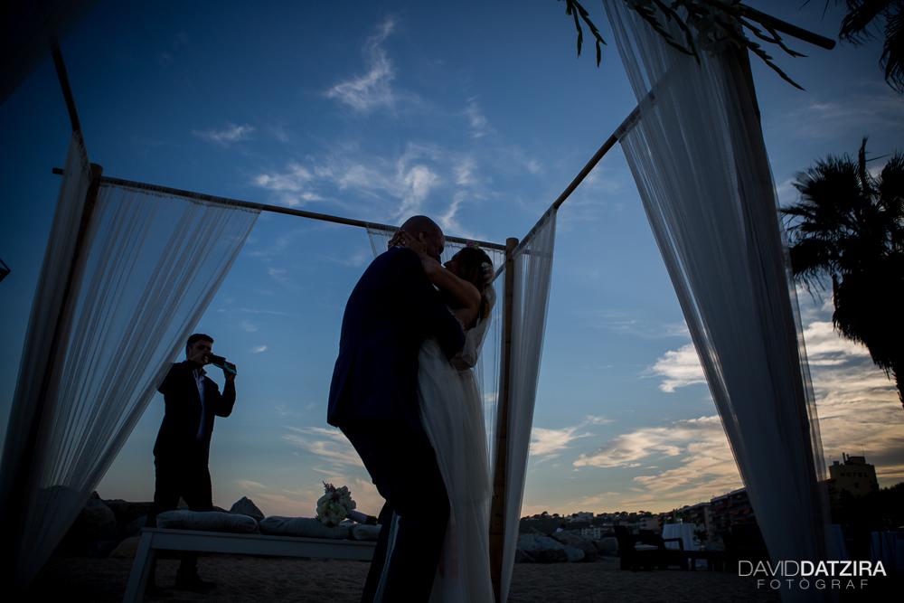 casament-toni-i-montse-david-datzira-fotograf-fotografo-photographer-barcelona-catalunya-catalonia-espontani-divertit-original-reportatge-fotoreportatge-boda-wedding-bitakora-maresme-76