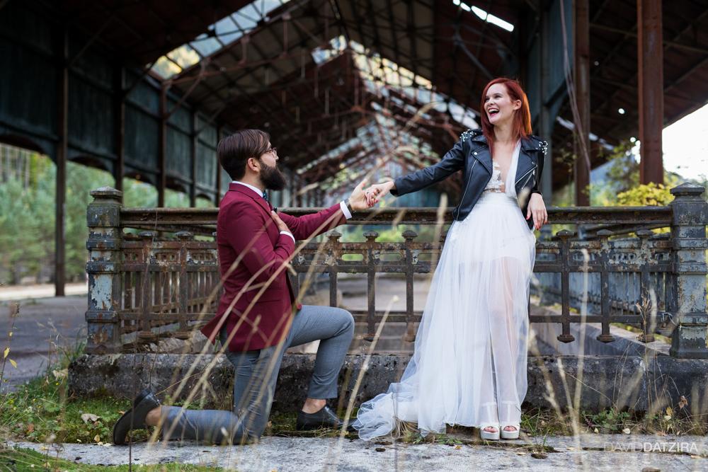post-boda-canfranc-bardenas-reales-david-datzira-fotograf-fotografo-photographer-arago-aragon-huesca-osca-estacion-de-tren-abandonada-amor-love-15