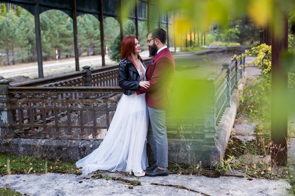 post-boda-canfranc-bardenas-reales-david-datzira-fotograf-fotografo-photographer-arago-aragon-huesca-osca-estacion-de-tren-abandonada-amor-love-16