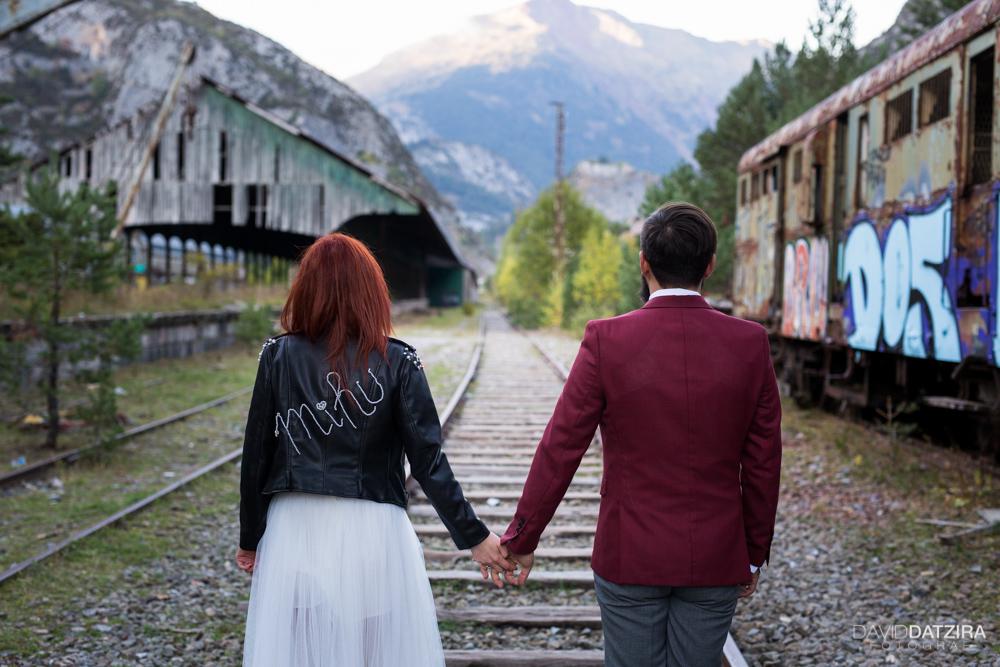 post-boda-canfranc-bardenas-reales-david-datzira-fotograf-fotografo-photographer-arago-aragon-huesca-osca-estacion-de-tren-abandonada-amor-love-23