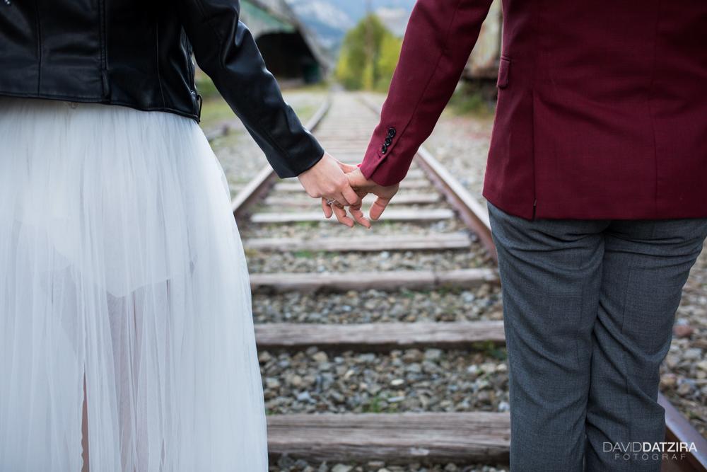 post-boda-canfranc-bardenas-reales-david-datzira-fotograf-fotografo-photographer-arago-aragon-huesca-osca-estacion-de-tren-abandonada-amor-love-24
