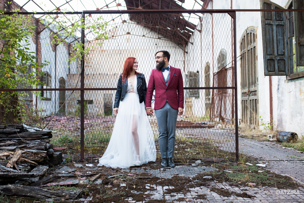 post-boda-canfranc-bardenas-reales-david-datzira-fotograf-fotografo-photographer-arago-aragon-huesca-osca-estacion-de-tren-abandonada-amor-love-25