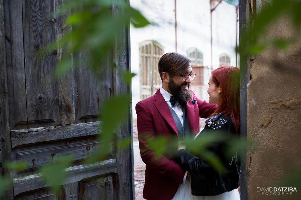 post-boda-canfranc-bardenas-reales-david-datzira-fotograf-fotografo-photographer-arago-aragon-huesca-osca-estacion-de-tren-abandonada-amor-love-27