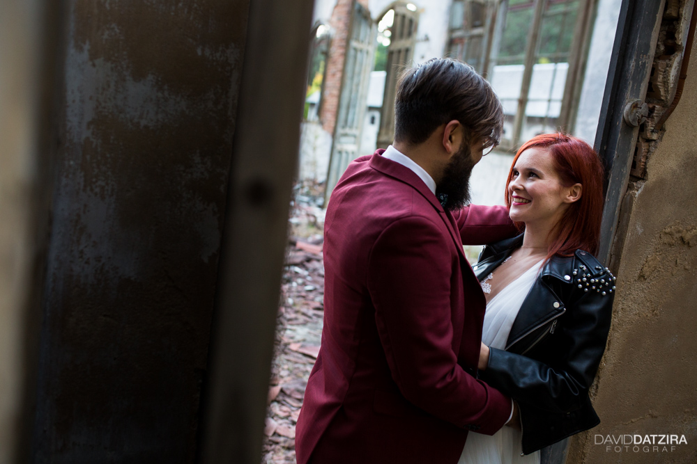 post-boda-canfranc-bardenas-reales-david-datzira-fotograf-fotografo-photographer-arago-aragon-huesca-osca-estacion-de-tren-abandonada-amor-love-28