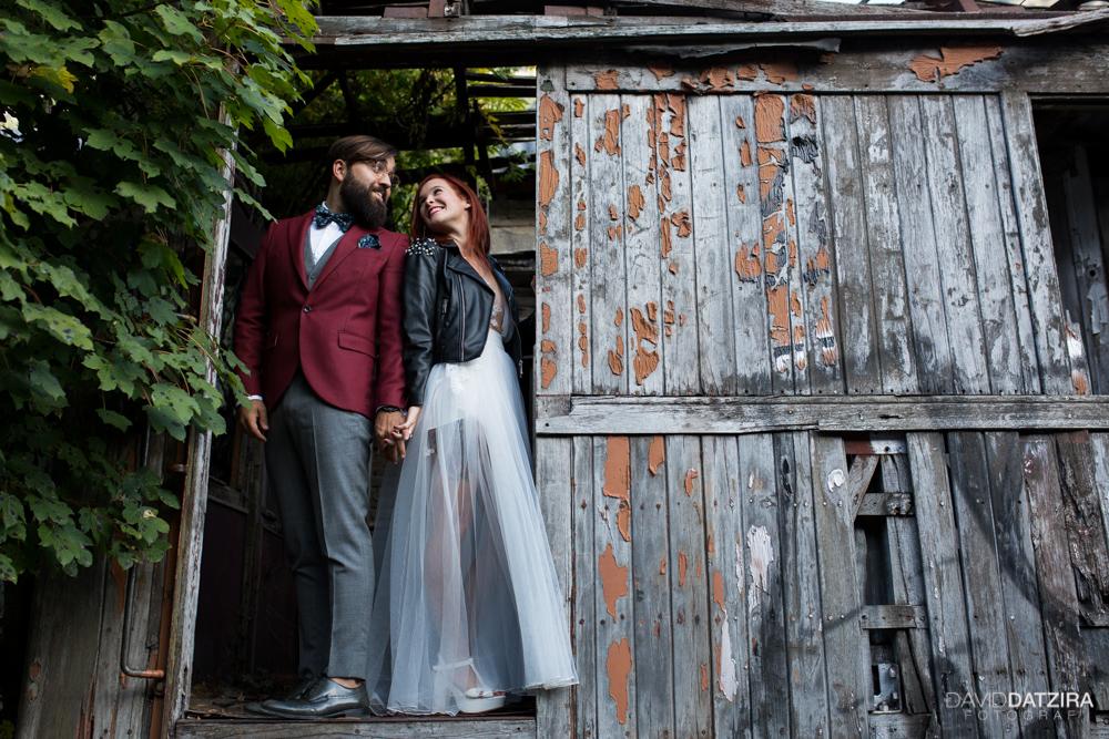 post-boda-canfranc-bardenas-reales-david-datzira-fotograf-fotografo-photographer-arago-aragon-huesca-osca-estacion-de-tren-abandonada-amor-love-3