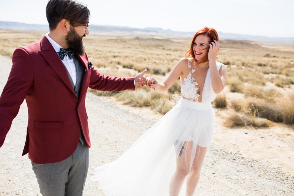 post-boda-canfranc-bardenas-reales-david-datzira-fotograf-fotografo-photographer-arago-aragon-huesca-osca-estacion-de-tren-abandonada-amor-love-38