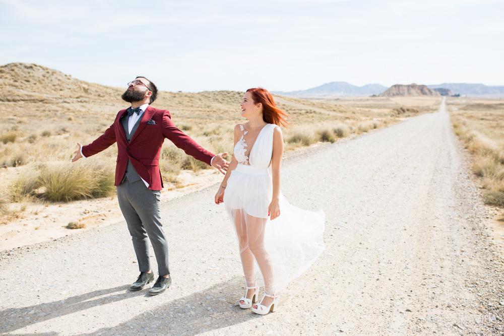 post-boda-canfranc-bardenas-reales-david-datzira-fotograf-fotografo-photographer-arago-aragon-huesca-osca-estacion-de-tren-abandonada-amor-love-39