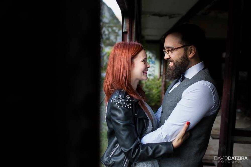 post-boda-canfranc-bardenas-reales-david-datzira-fotograf-fotografo-photographer-arago-aragon-huesca-osca-estacion-de-tren-abandonada-amor-love-4